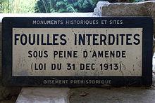 220px-Grotte_de_Saint_Cirq_-_Panneau_de_fouilles_interdites_-_20090923